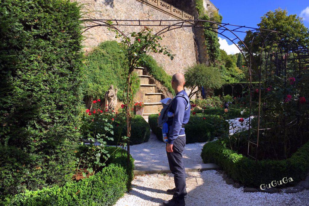 zamek książ ogród