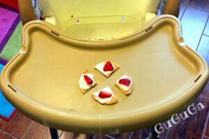 Omlet z serkiem homogenizowanym i truskawką