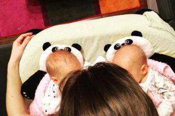 karmienie bliźniaków